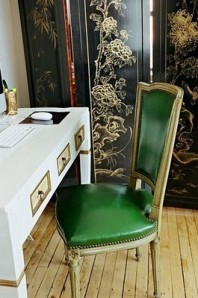 kelly green chair