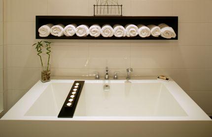 Spa week and coastal bathroom decor lana lennox 39 s blog for Bathroom decor 2012